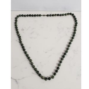 VTG 1970s Green Hand Knotted Jade Bead Necklace